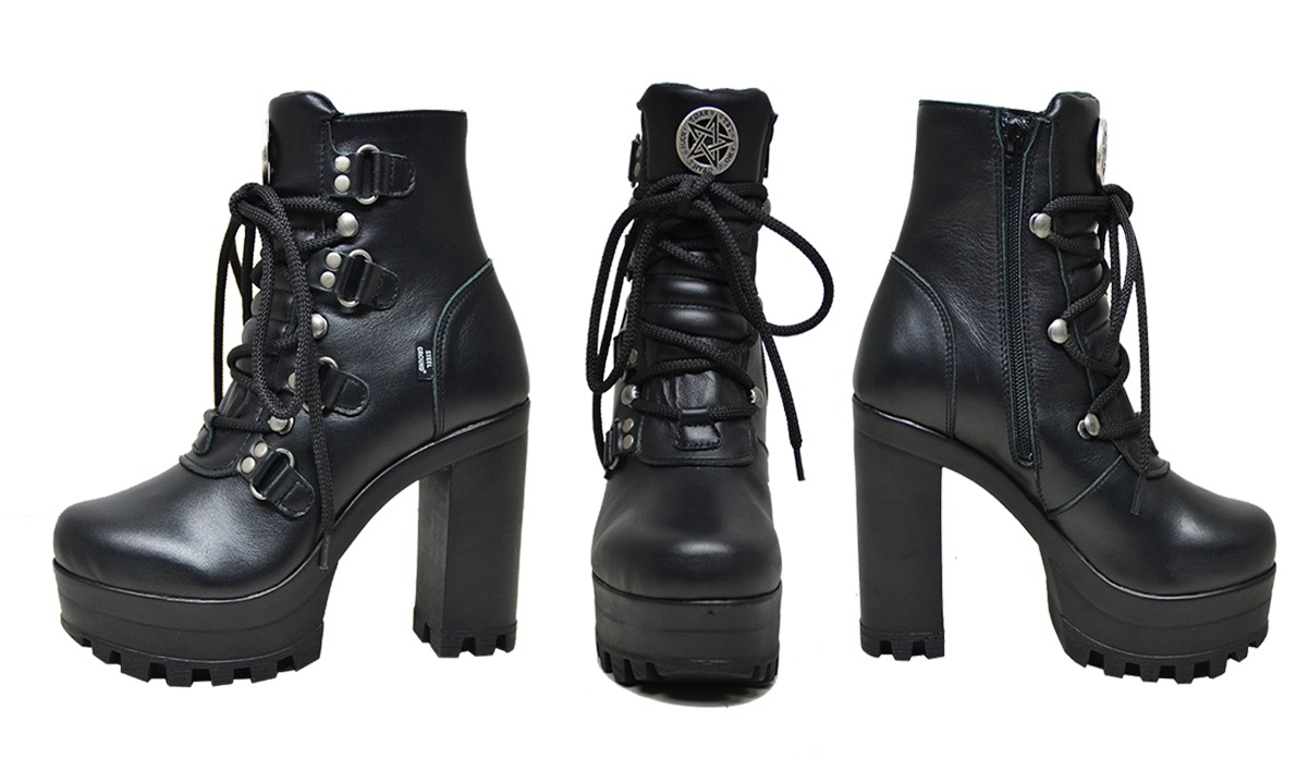 Tetragramatum boot